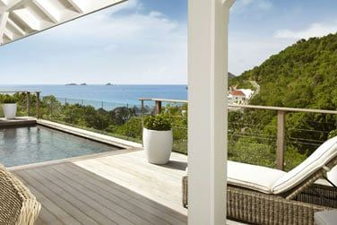 Terrasse avec piscine de la Villa Montagne