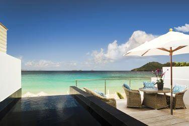 La petite piscine située sur la terrasse de la Villa Flamands