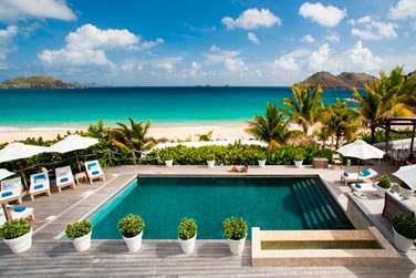 Plongez dans la piscine de l'hôtel !