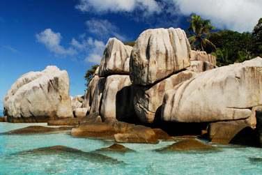 Ne manquez pas la plage d'Anse Source d'Argent, d'une beauté rare