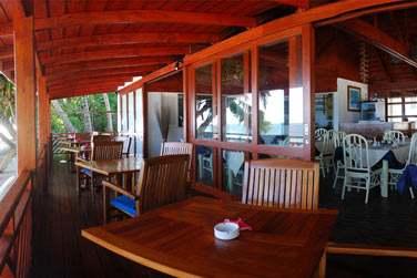 Son petit restaurant de plage est très agréable