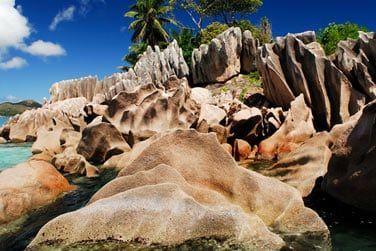 Des paysages cernés de rochers de granit