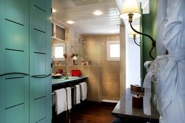Salle de bain de la chambre vue Baie Marigot