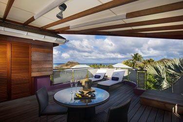 La terrasse de la Suite Wellness offrant une vue magnifique sur l'océan