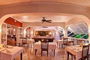 Le restaurant vous propose une cuisine internationale revisitée par le chef français