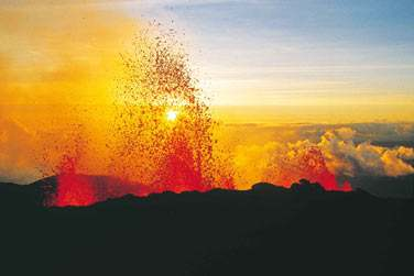 Bienvenue sur l'ile de la Réunion : Terre de sensations  Le Piton de la Fournaise à la Réunion