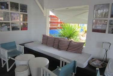 Le Bakwa Lodge, est situé juste à côtés des centres de kitesurf sur le site même de Anse Mourouk également.