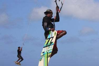 les amateurs de kitesurf...
