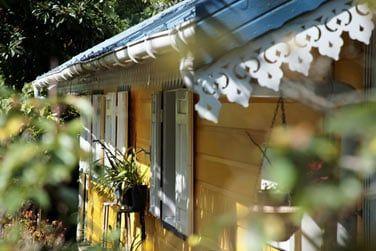 Vous serez charmé par les petites cases créoles colorées