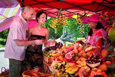 Direction le Sud de l'île, vers la ville de St Pierre avec son marché exotique et coloré