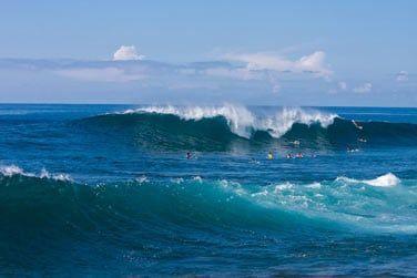 Les amateurs de surf pourront glisser sur les vagues de St Leu