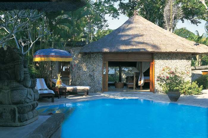 luxury villa vue jardin avec piscine