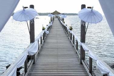 Vous souhaitez célébrer votre mariage à Lombok ? L'hôtel organise votre cérémonie de mariage...