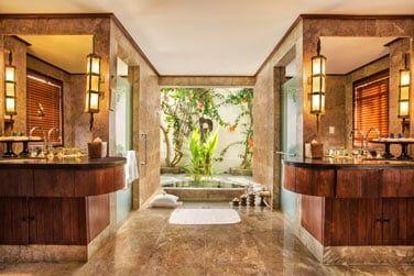 La très belle salle de bain de la Luxury Villa