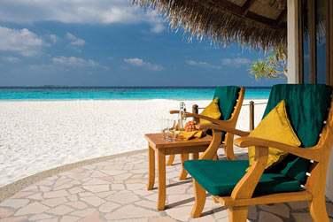 La terrasse extérieure de votre Ocean Front Villa pour profiter de moments privilégiés face au lagon