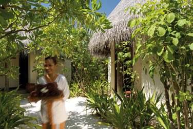 Le Spa Coco offre un espace privilégié avec 8 cabines de soins, un sauna, bain bouillonnant, un pavillon de yoga et de taï chi.