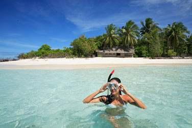 Le vaste lagon vous permettra de découvrir les fonds marins avec vos palmes, masque et tuba