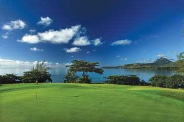 Un parcours de championnat de 18 trous situé sur l'île aux Cerfs