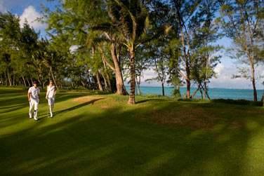 Séjournez à l'hôtel Ambre et bénéficiez de conditions préférentielles au golf du Touessrok