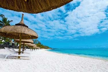 Profitez de votre séjour à l'hôtel Ambre pour vous détendre et vous reposer sur la plage