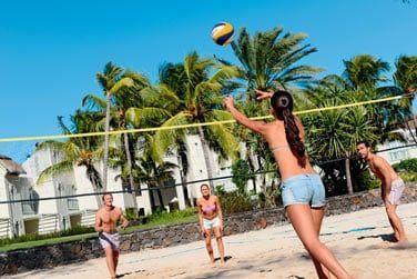 Balades à vélo, beach volley, tennis...