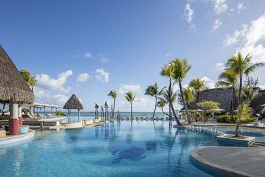 La spacieuse piscine, où vous pourrez vous détendre