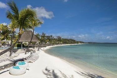 L'hôtel Ambre 4* s'étend le long d'une plage immaculée