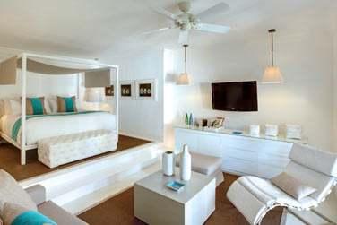 Intérieur design et épuré de la Suite Honeymoon