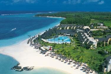 Bienvenue à l'hôtel LUX* Belle Mare, fleuron du groupe LUX* Island Resorts...