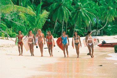 Le surf est une activité à ne pas manquer à Bali : les spots de surf sont nombreux