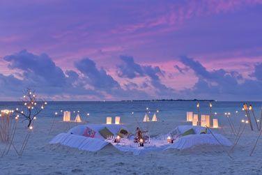 Un dîner romantique en soirée au bord du lagon?