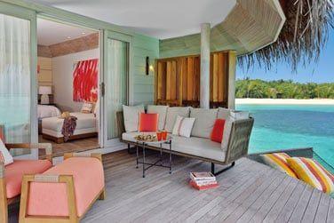 Les villas sont décorées avec élégance et sophistication.