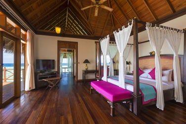 Composée de 2 chambres à la décoration traditionnelle maldivienne