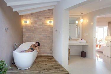 Salle de bain de la Villa Plage Deluxe avec piscine