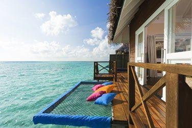 Sur pilotis, profitez d'une vue incroyable depuis votre piscine privée!