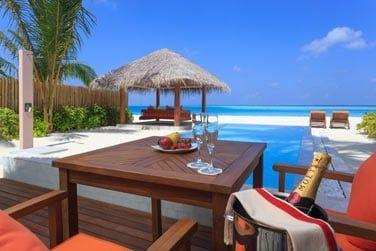 Profitez de votre villa avec piscine face à la mer (terrasse de la Villa Plage Deluxe avec piscine)
