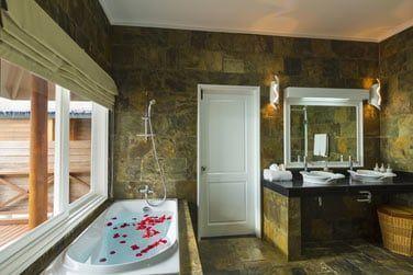 Une salle de bain très agréable