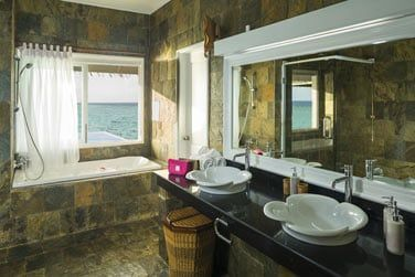 Et une salle de bain très agréable