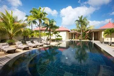 Le spa possède une piscine où vous pourrez vous relaxer...