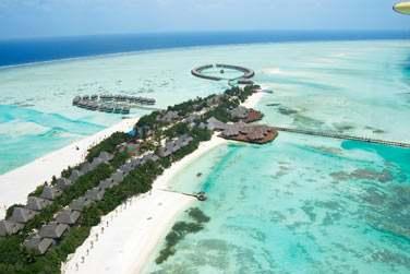 A environ 45min de bateau rapide de Malé
