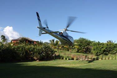 Optez pour un survol de l'île en hélico, la Réunion est La destination idéale