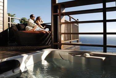 Le luxe, un bain à remous sur votre terrasse...