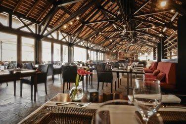 Le restaurant Deck, brasserie de luxe avec vue imprenable