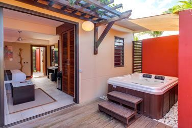La terrasse de la Suite avec bain à remous