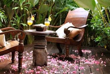 Un verre dans les jardins