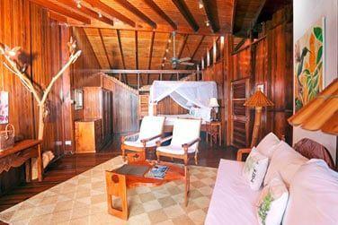 Les suites sont décorées avec beaucoup de gout dans un esprit 'écolodge'