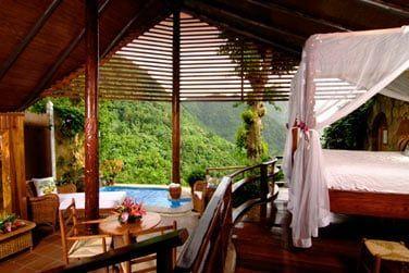 Admirez la vue depuis votre lit lors de votre séjour en suite Paradise Ridge
