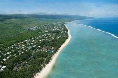 L'hôtel est situé sur la plus belle partie de l'île : la côte ouest, à l'Hermitage
