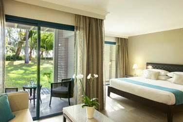 Les Junior Suite avec un petit coin salon donnant sur la terrasse (ou balcon)