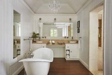 Salle de bain de la Luxury Villa, un décor raffiné et épuré